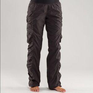 Lululemon Run Go For It Pant Ruched Cargo Black Size 10